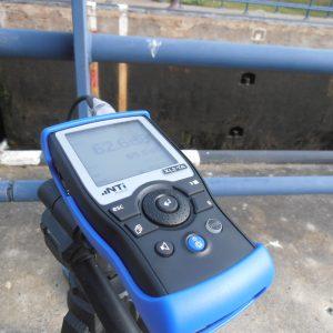 XL2 NTi-Audio audio analyzer met microfoon en koffer